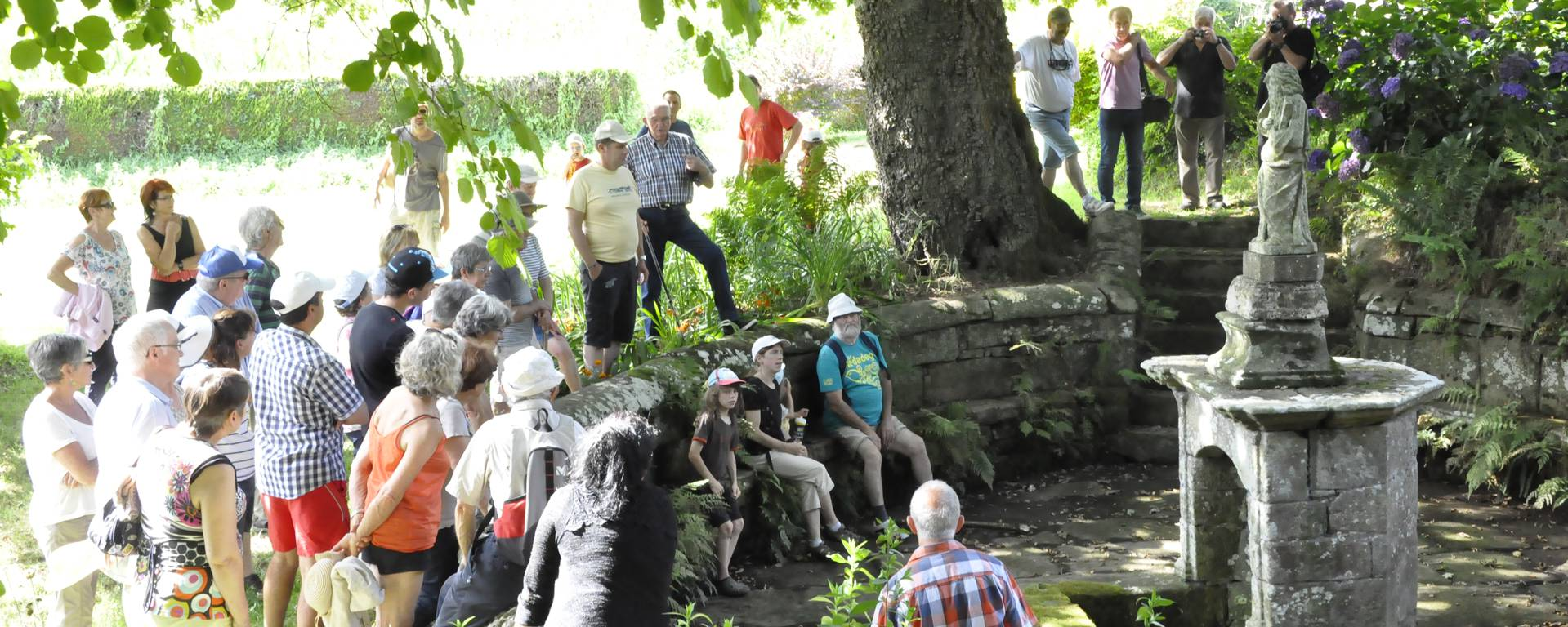 Guided walk at Le Saint - © OTPRM