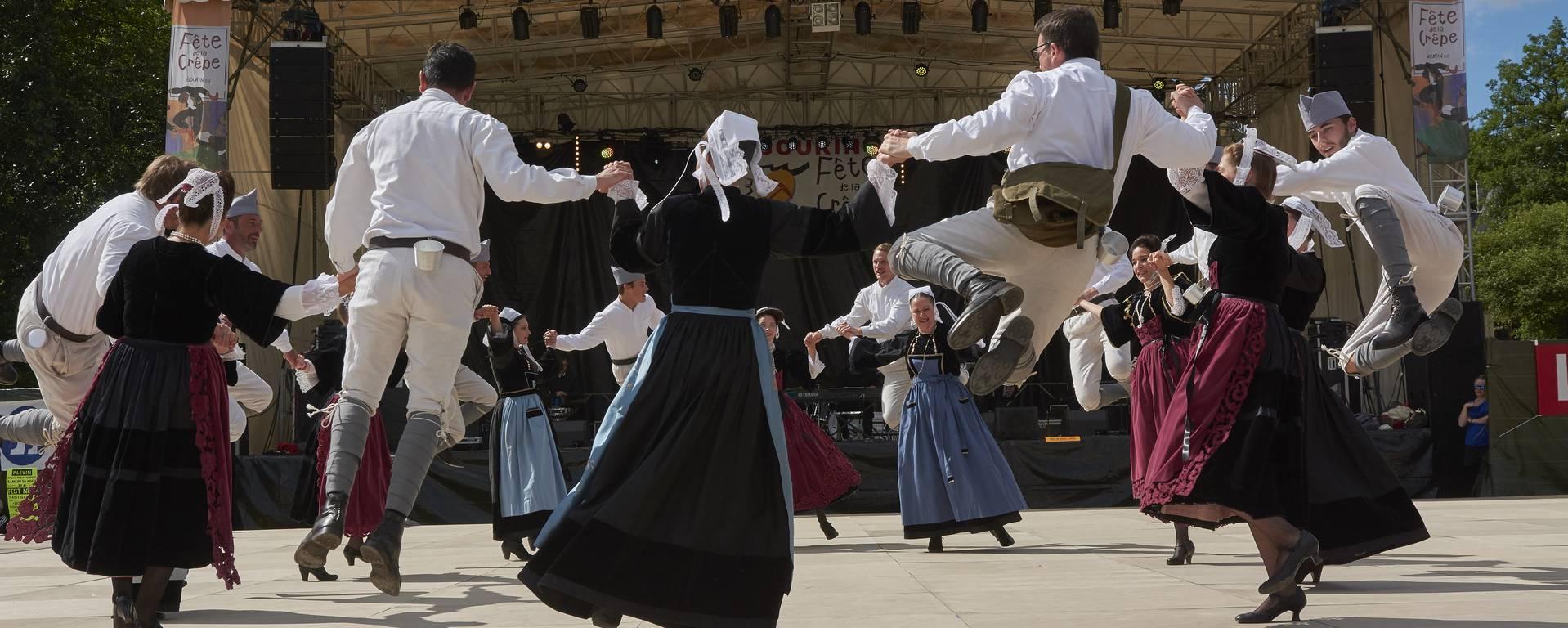 Danseurs du Croisty - © MA Gouret-Puillandre