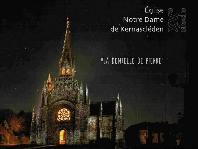"""Eglise Notre Dame de Kernascléden, """"La dentelle de pierre"""" © RMCom"""