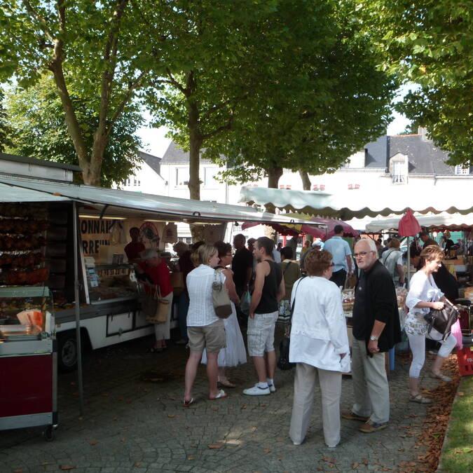 Market in Le Faouët © OTPRM