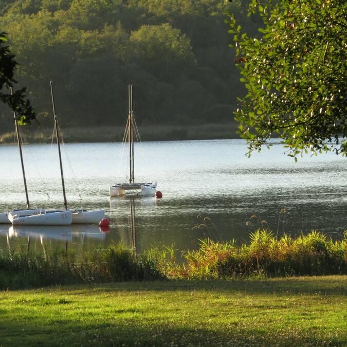 Balade Bucolique au lac du Bel Air à Priziac - © Martine Le Guenic