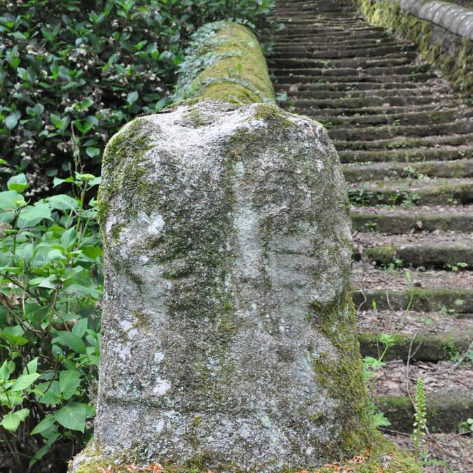 Statue de déesse-mère à Locuon - Ploërdut © RMCom